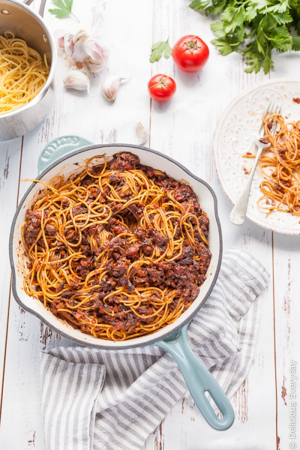 This fun vegan and vegetarian spin on the Italian classic, Bolognese, uses mushrooms for a rich, delicious sauce that is sure to please the whole family! | Get the recipe at DeliciousEveryday.com