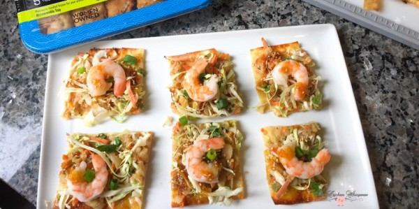 shrimp-egg-roll-thin-crispy-pizza10a
