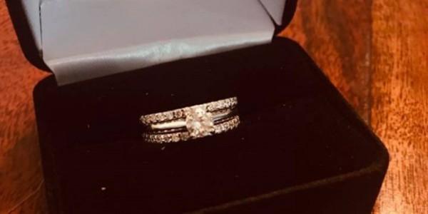 I took off my wedding ring 2 weeks ago