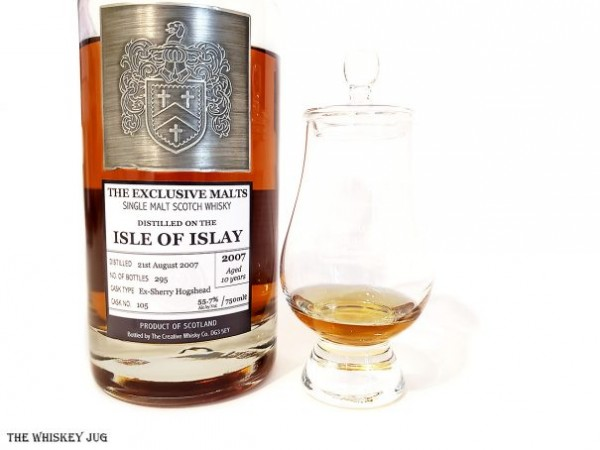 2007 Exclusive Malts Isle of Islay 10 Years is a big heavy whisky that harmoniously folds sweet and meaty profiles together.
