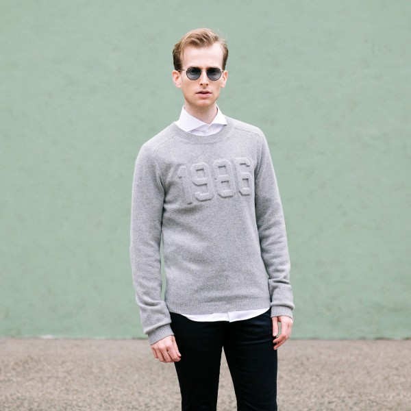 graphic-sweater-style-trend