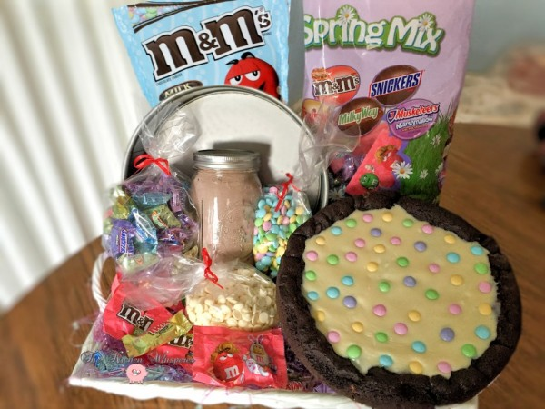 Chocolate Easter Pizza Cookie Basket