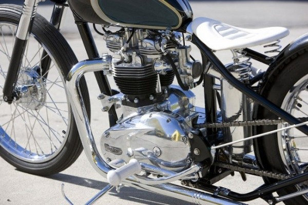 Moon Machine Triumph Bobber 7