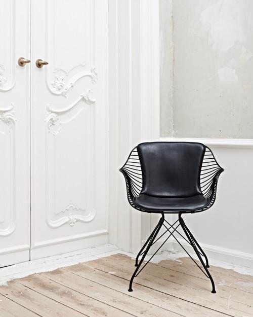 Wire Dining Chair is a minimalist design created by Denmark-based designer Overgaard & Dyrman. (6)