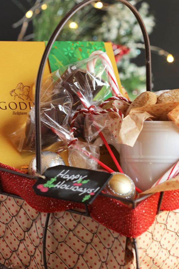 Peppermint Mocha Hot Chocolate Stirrers | The Suburban Soapbox #giveGODIVA
