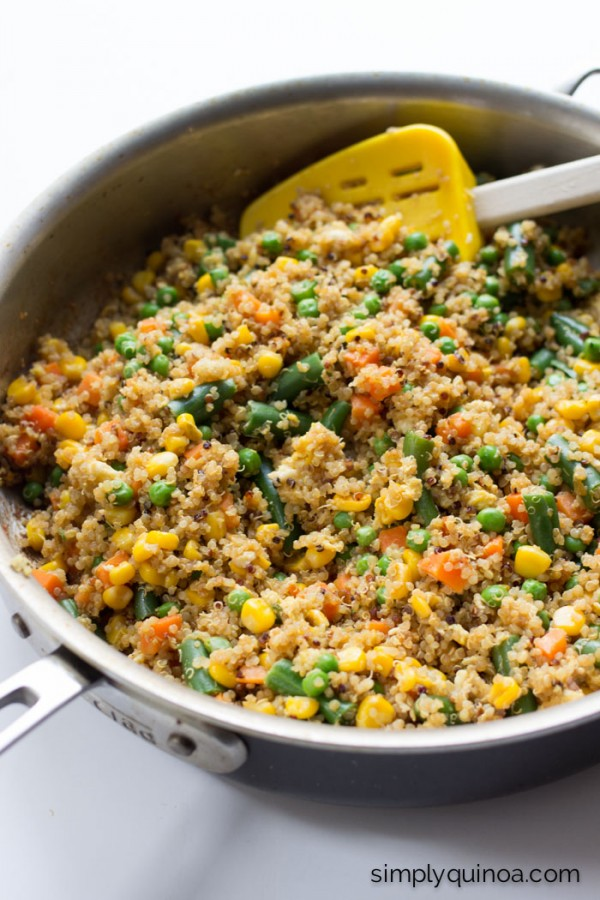 This 10-Minute Quinoa Fried Rice is AMAZING and EASY! It only uses 7 ingredients and is gluten-free and vegetarian too