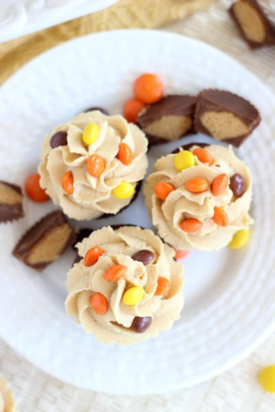 Peanut Butter Cup Brownie Cups Pic