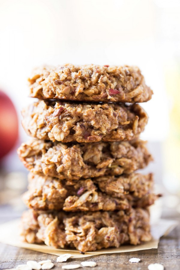 apple-pie-quinoa-breakfast-cookies.jpg