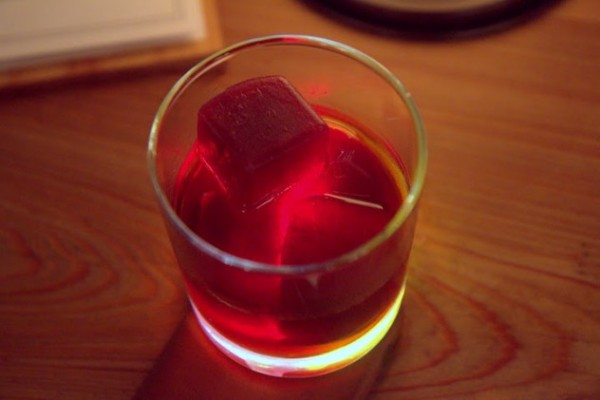 Edmund's Oest The Red Wedding ($12) – homage to MSO; Elijah Craig 12 year bourbon, Averna, hibiscus-Blenheim's ginger ale-thyme sweet tea ice cubes; boozy initially and opens up as cubes melt