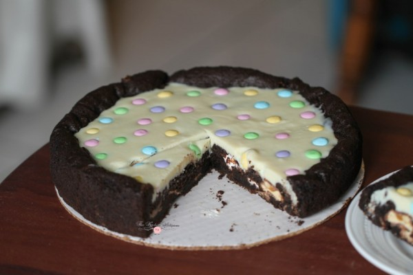 Chocolate Easter Pizza Cookie1