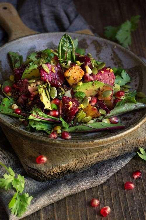 Roasted beets, pomegranate and kaniwa salad - sweet roasted corn, and crunchy pepitas, creamy avocado, fresh lemon, cilantro and scallions, and a nice zing from the cayenne pepper - this salad is an exploision of colors, flavors and textures. | www.viktoriastable.com