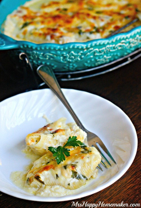 The cheesiest of cheesy pastas... these jumbo shells are stuffed with cheese, covered with my 'Better than Olive Garden' Alfredo sauce, & baked off into one of the best things ever. Cheese Lover's Stuffed Shells for the win!   MrsHappyHomemaker.com @thathousewife