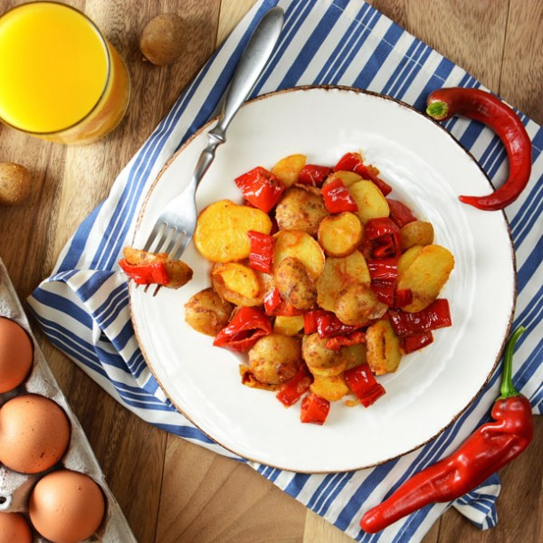 zesty-yellow-potato-sweet-pepper-hash