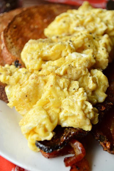 How to Make Perfect Scrambled Eggs Picture