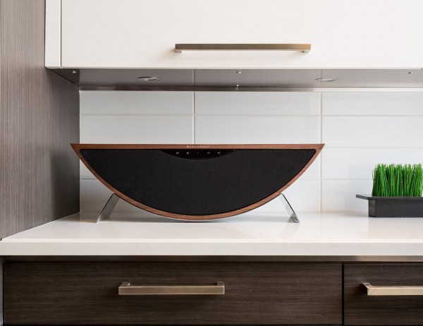 Wireless music systems are the recent big thing in digital entertainment and Crescendo stands out to be an amazing example from that category.