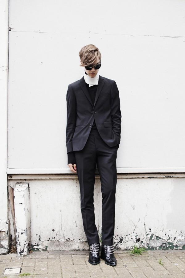 mikkoputtonen_LCM_streetstyle_turo_official_suit_redlabel_givenchy_acnestudios_jilsander_mikkoputtonenXgtie_londoncollectionsmen_lookbook3_web