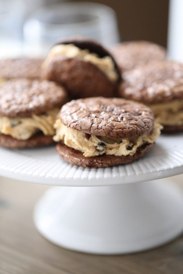 Chocolate Peanut Butter Sandwich Cookies are rich and decadent dessert ...