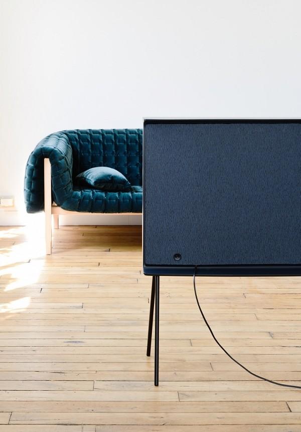 samsung-serif-tv-buroullec-brothers-design-2