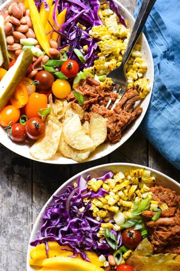 BBQ Party Dinner Bowls - A classic backyard BBQ party, in one bowl! Turn to this quick-fix wholesome recipe for a fresh family dinner this summer! | foxeslovelemons.com