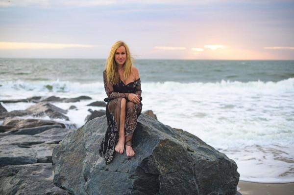 Sarah-Vie-Let-Your-Inner-Golden-Sparkle