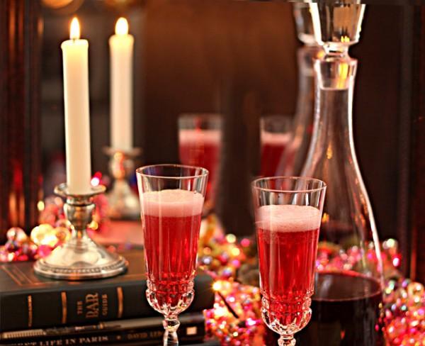 Homemade Raspberry Liqueur : Liqueurs : Creative Culinary : DrinkWire