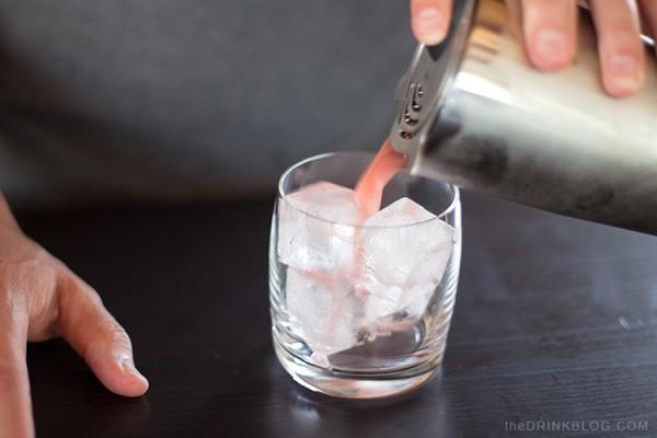pour tea cocktail