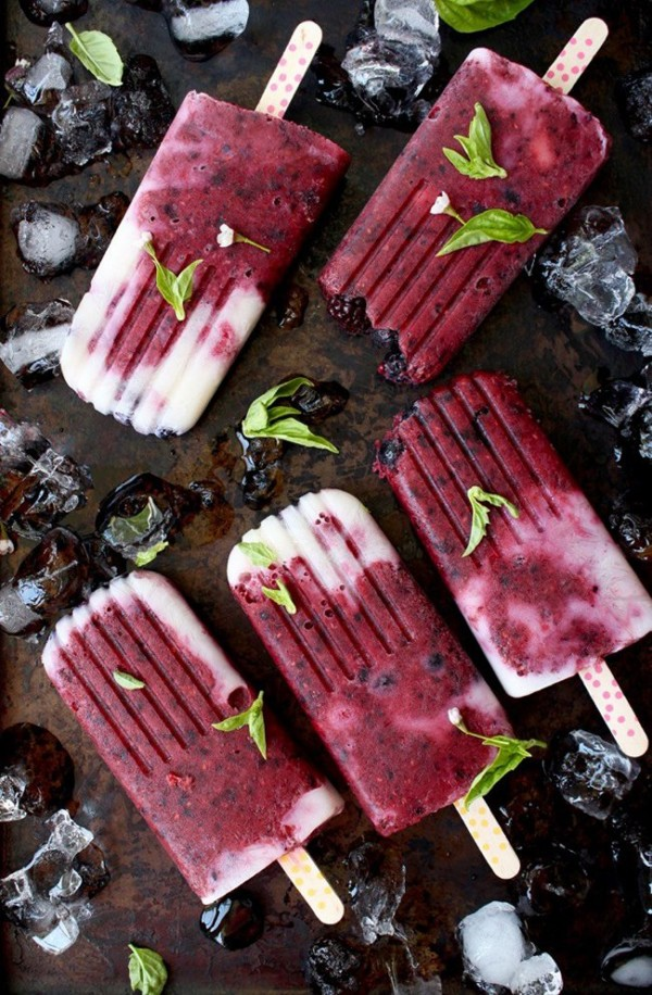 Homemade Popsicles with Mixed Berries | Ciao Florentina