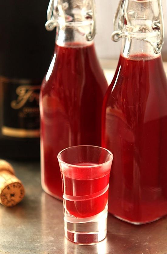 cranberry-liqueur-3-550x834.jpg