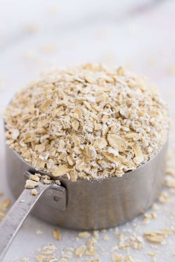 How to make oat flour in your blender!