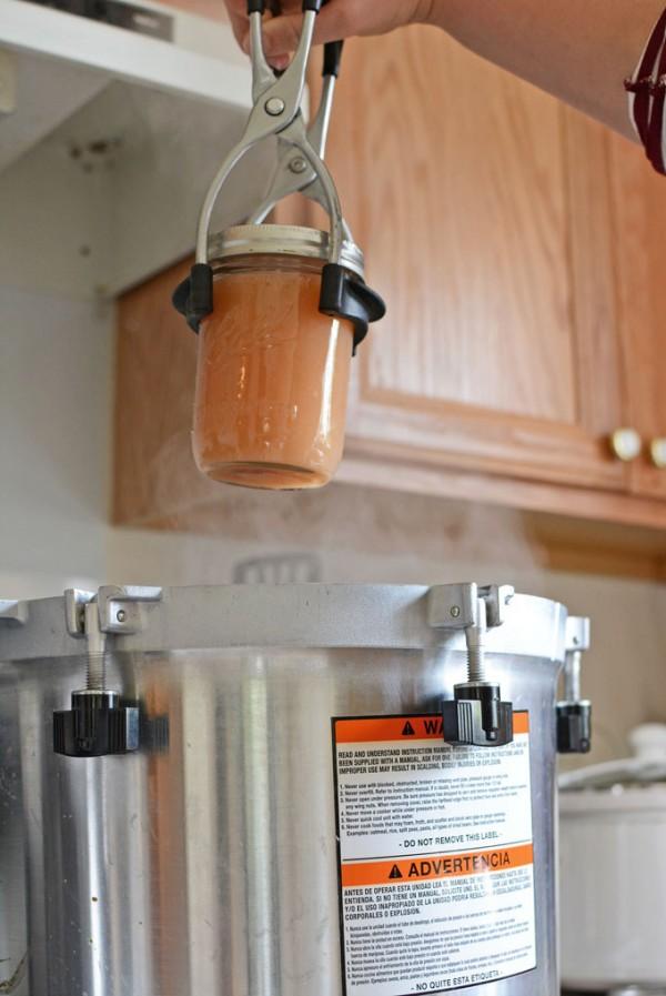 processing-applesauce-waterbath