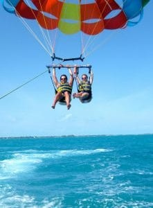 C'MON MAMA mother parasailing & being risky before having a baby