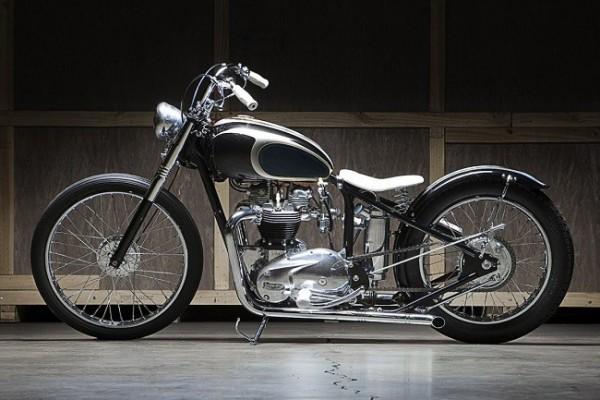 Moon Machine Triumph Bobber 12