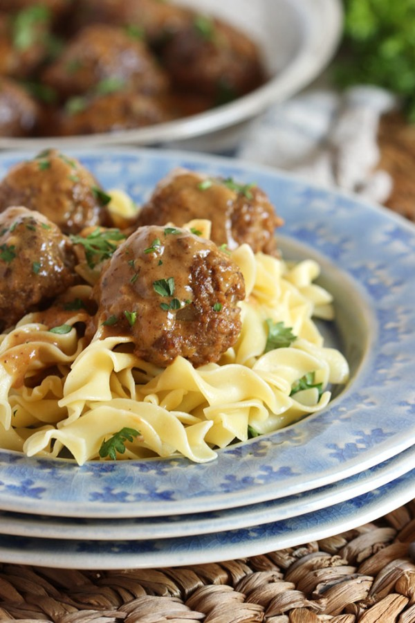 Simple Swedish Meatballs | TheSuburbanSoapbox.com