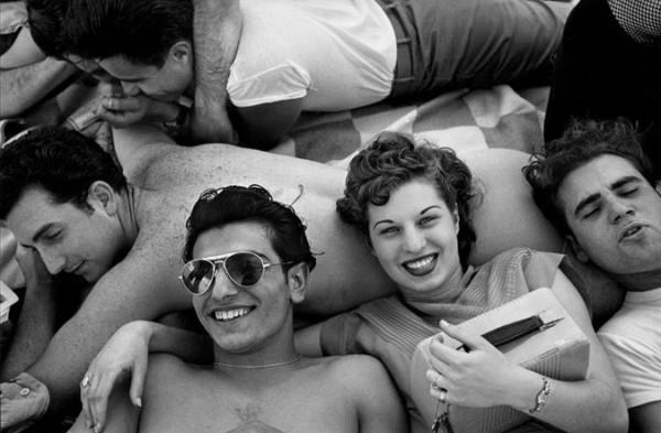 Figure 5: :Coney Island Teenagers Harold Feinstein
