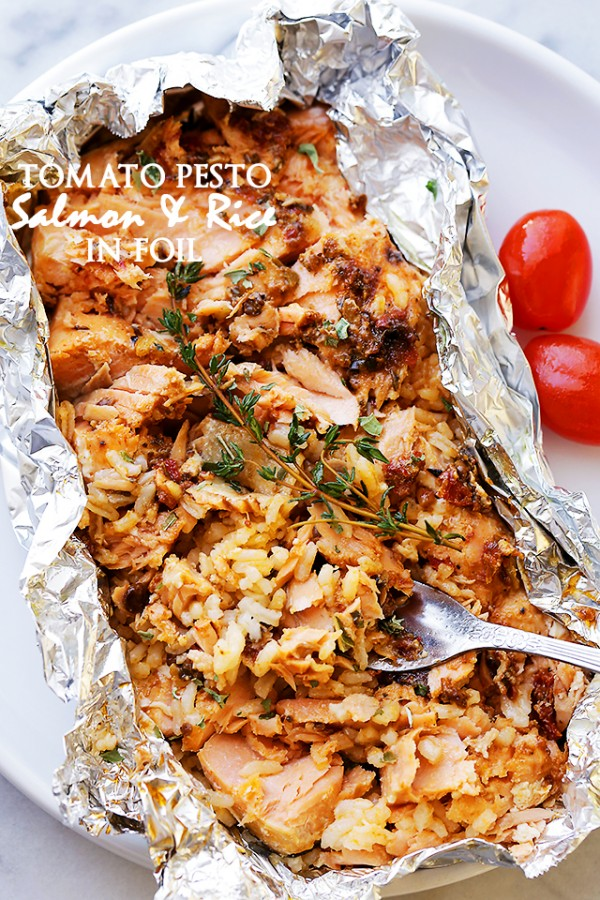 Tomato Pesto Salmon and Rice Recipe Baked in Foil - Incredibly ...