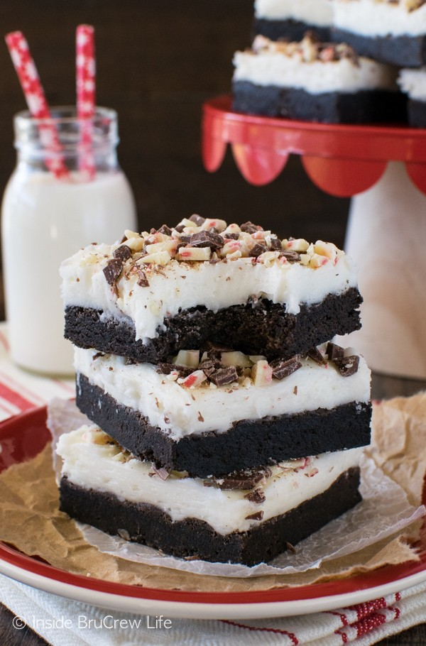 Chocolate Peppermint Bark Sugar Cookie Bars - peppermint frosting & candy bars add a fun holiday touch to these easy cookie bars. Great recipe for Christmas parties!