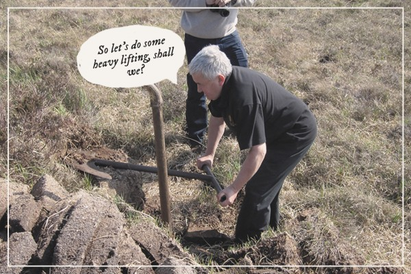 Iain McArthur demonstrates peat cutting