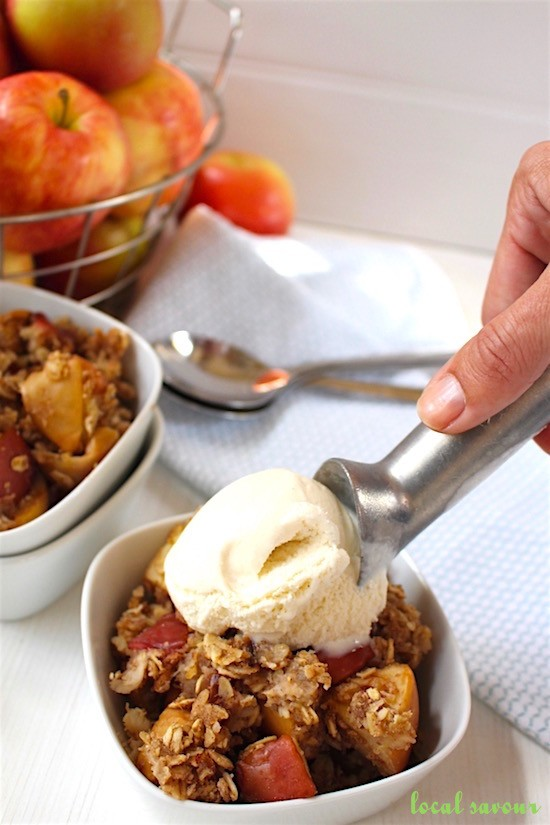 Warm Apple Oatmeal Crumble | LocalSavour.com