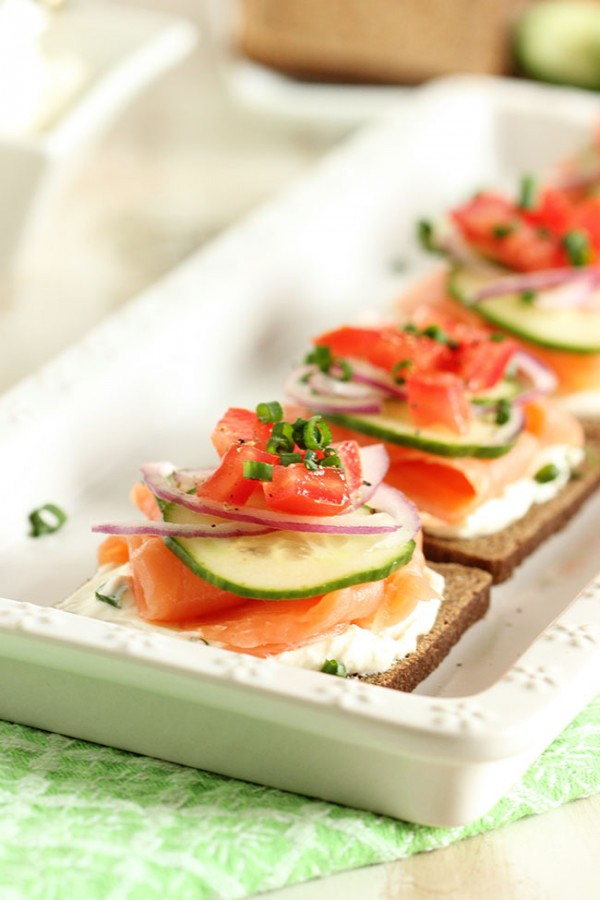 Smoked Salmon Canapes with Whipped Chive Cream Cheese #BrunchWeek by ...