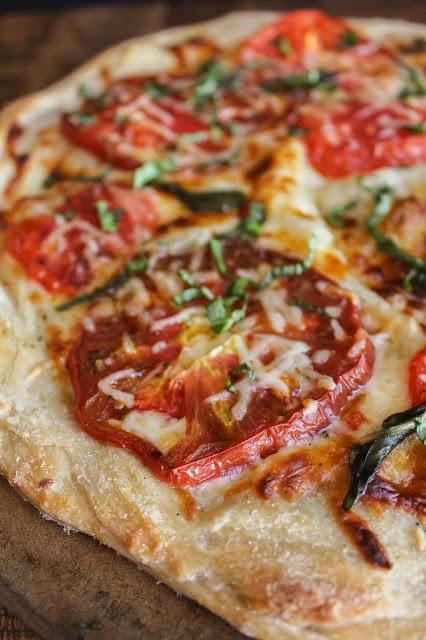 Heirloom%2BTomato%2BPizza-2.jpg