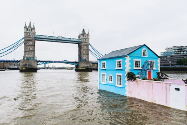 A night in a Floating House Feel Desain Airbnb 05