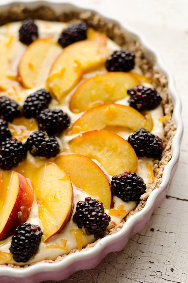 Light Peach & Berry Tart | The Creative Bite