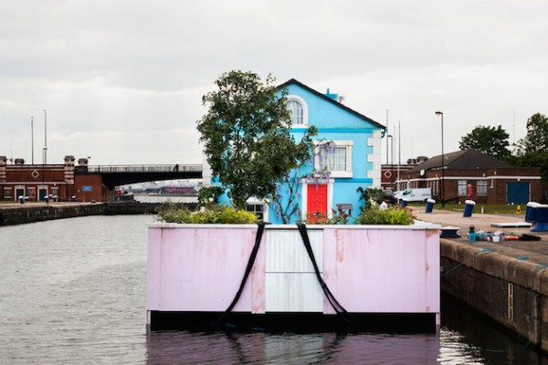 A night in a Floating House Feel Desain Airbnb 09