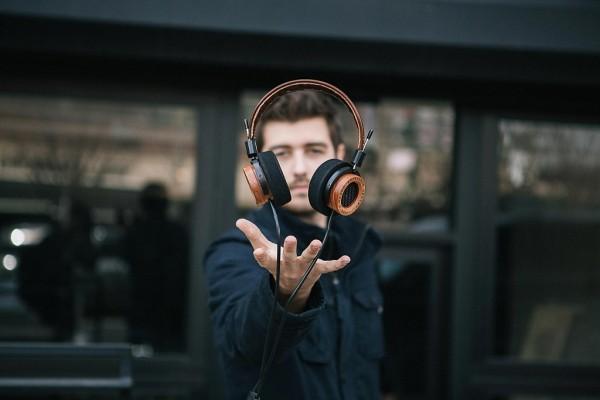 the-e-series-headphones-by-grado-labs-1