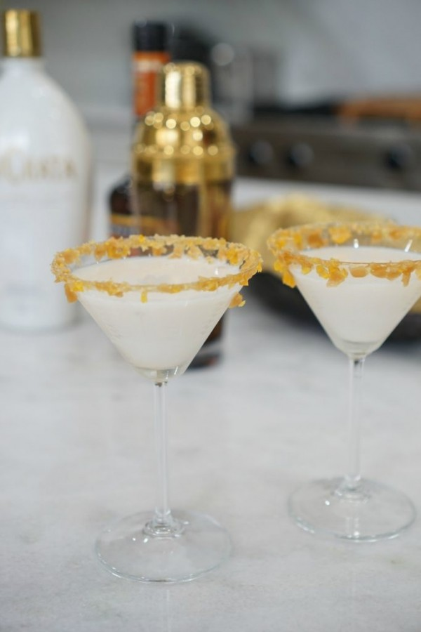 Fuzzy-Friday-Caramel-Butterscotch-Tini-TheOPLife-9-683x1024.jpg