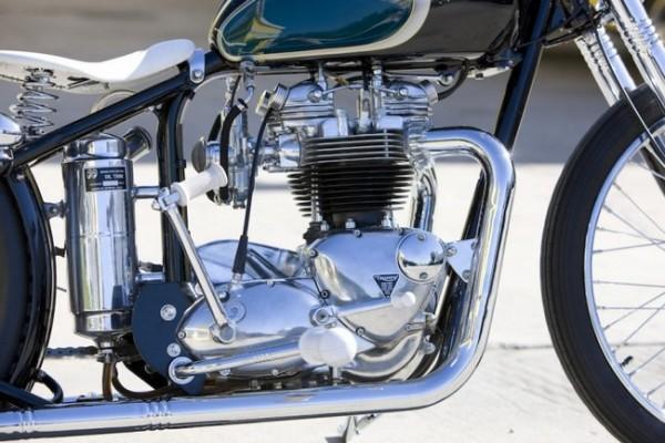 Moon Machine Triumph Bobber 3