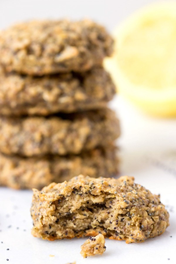 Can you actually eat cookies for breakfast? YES! These Lemon Poppy Seed Quinoa Breakfast Cookies might look and taste like dessert, but they're healthy, nutrient-packed and DELICIOUS!