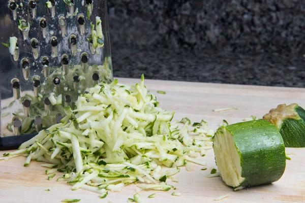 grating-zucchini