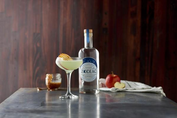 Caramel apple martini drinkwire for Halloween martini recipes vodka