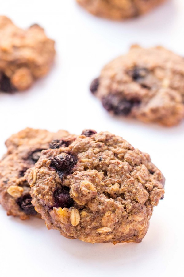 QUINOA BREAKFAST COOKIES!! These taste like a cross between blueberry ...